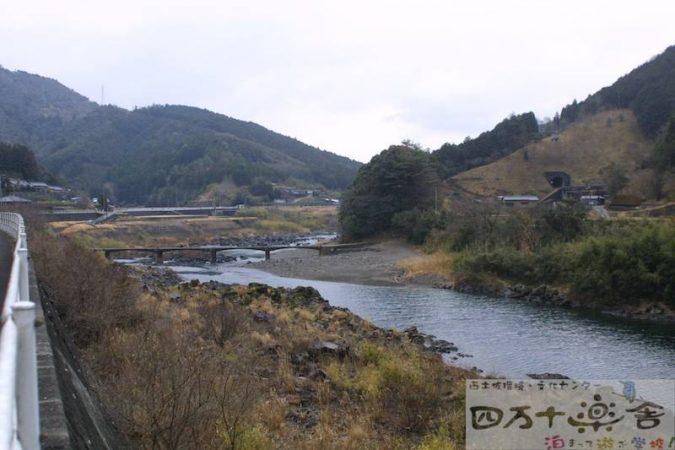 向山橋(上岡沈下橋)